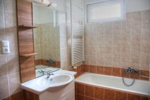 Cserkeszőlői pihenés fürdőbelépővel