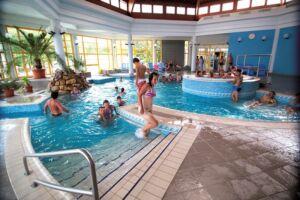 Kiskunmajsai fürdőzés a Jonathermálban (4 db teljes árú belépő)