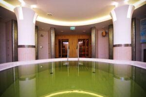 Fürdőzzön a fürdők fürdőjében a makói Hagymatikumban (4 db teljes árú belépő)