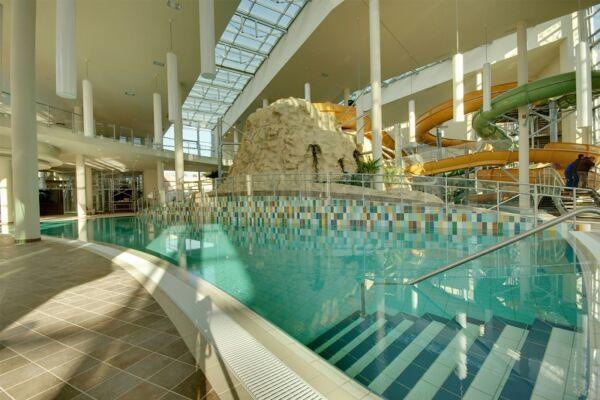 Gyulai feltöltődés közvetlen a Várfürdő bejáratánál (Aqua Hotel Gyula)